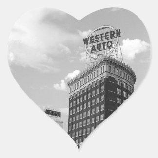 Medio edificio auto occidental del cilindro pegatina en forma de corazón