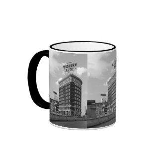 Medio edificio auto occidental del cilindro taza de café