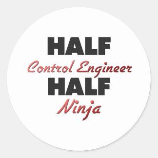 Medio ingeniero de control medio Ninja Etiqueta Redonda