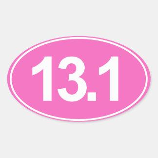Medio maratón 13,1 millas de pegatina oval (rosa)