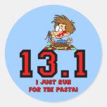 Medio maratón divertido etiquetas redondas