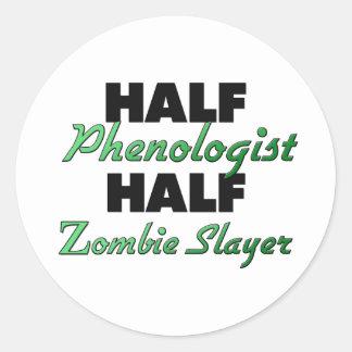 Medio medio asesino del zombi de Phenologist Pegatinas Redondas