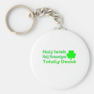 Medio Norweigan a medias irlandés bebido totalment Llavero Redondo Tipo Pin