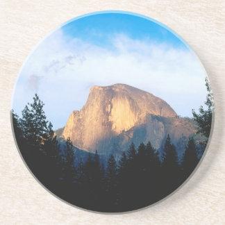 Medio parque de la bóveda de Yosemite Posavasos Cerveza