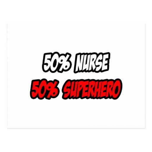 Medio super héroe de la enfermera… a medias tarjetas postales