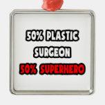 Medio super héroe del cirujano plástico… a medias ornamento para arbol de navidad