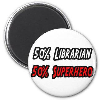 Medio super héroe del medio bibliotecario imanes