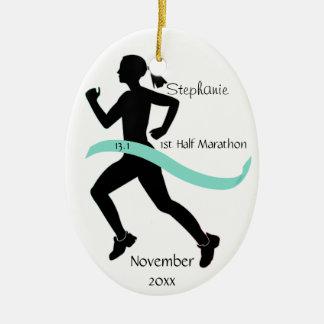 Medio trullo del ornamento del corredor de maratón adorno navideño ovalado de cerámica