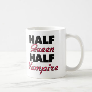 Medio vampiro de la media reina taza