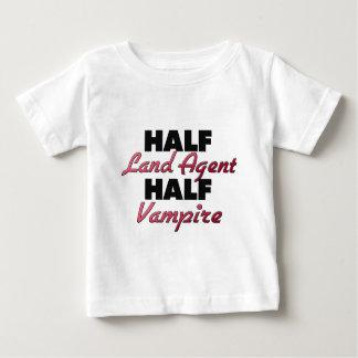 Medio vampiro del agente de tierra medio playeras