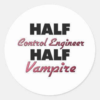 Medio vampiro del ingeniero de control medio etiquetas redondas