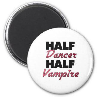 Medio vampiro del medio bailarín imán redondo 5 cm