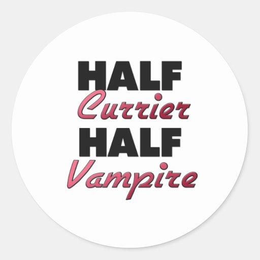 Medio vampiro del medio curtidor etiquetas redondas
