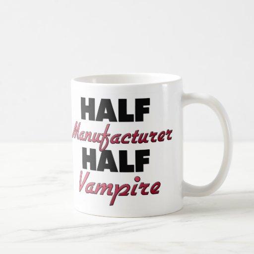 Medio vampiro del medio fabricante taza