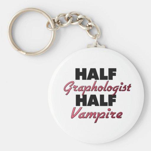 Medio vampiro del medio grafólogo llavero