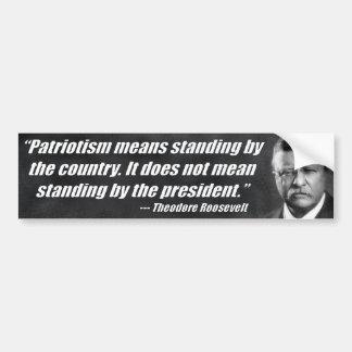 Medios del patriotismo que hacen una pausa el país pegatina de parachoque