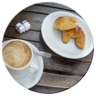 Medios Lunes del café y en un café en Buenos Aires Plato De Cerámica