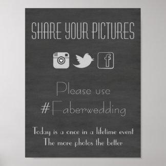 Medios sociales de la pizarra que casan la muestra póster