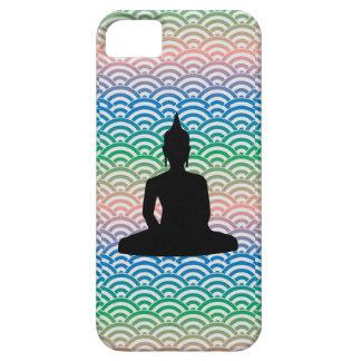 Meditación que se sienta Buda en el mar de la onda iPhone 5 Case-Mate Cárcasa