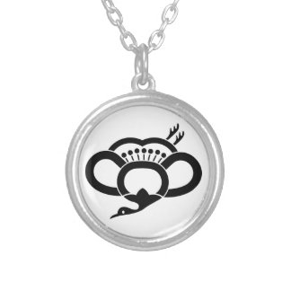 Medium shade plum crane round pendant necklace