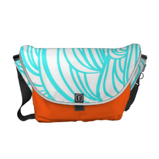 Medium Waterfall Messenger Bag