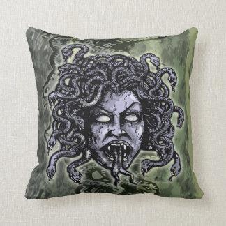 Medusa Gorgon Cojín Decorativo