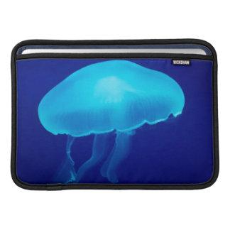 Medusas azules flotantes funda  MacBook