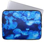 Medusas azules subacuáticas fundas portátiles