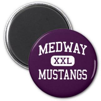 Medway - mustangos - alto - Medway Massachusetts Imán Redondo 5 Cm