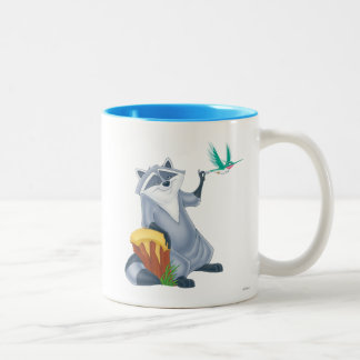 Meeko y revoloteo taza de café