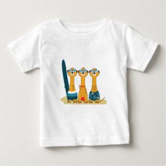 Meercats que practica surf t-shirts
