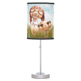 Meerkat con la lámpara del cuarto de niños de la t