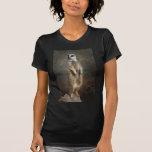 meerkat en el puesto de observación camiseta