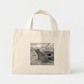 Meerkat que mira la imagen del photogarph del espe bolsa tela pequeña
