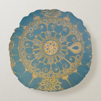 Mehndi inspiró diseño (azul y el oro) cojín redondo