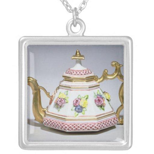 Meissen octagonal teapot, c.1718 custom jewelry