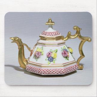 Meissen octagonal teapot, c.1718 mouse pad