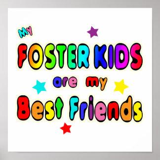 Mejores amigos adoptivos de los niños póster