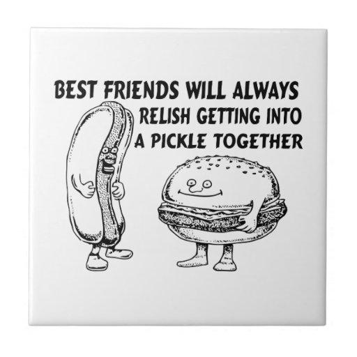 Mejores amigos hamburguesa y problema del perrito  teja cerámica