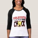 Melanoma ensuciado con el polluelo incorrecto camisetas
