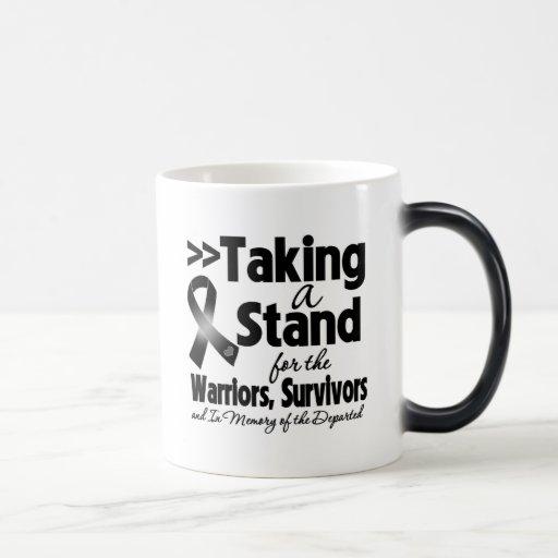 Melanoma que toma un tributo del soporte tazas de café
