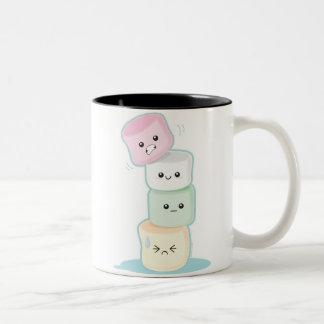 Melcochas apiladas tazas de café
