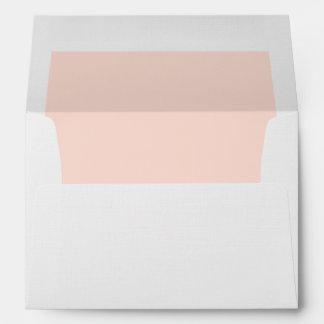 Melocotón en colores pastel del exterior blanco sobre