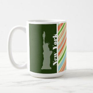 Melocotón y Forest Green Nueva York rayada Taza