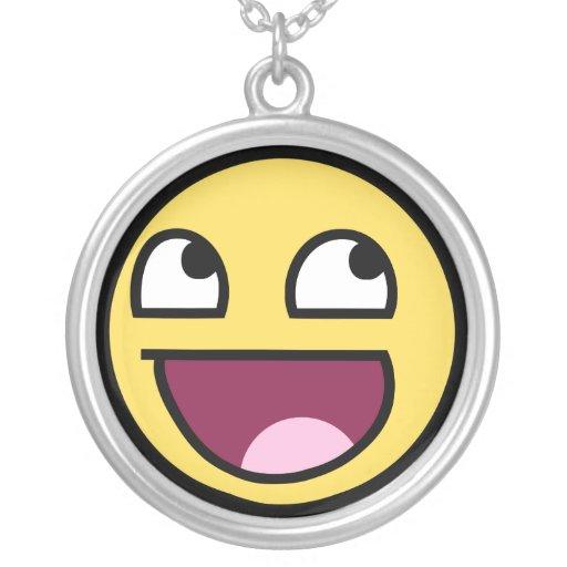 meme divertido sonriente impresionante de la rabia colgante redondo