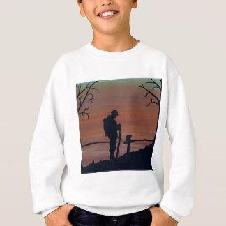 Memorial, Veternas Day, silhouette solider at grav Sweatshirt
