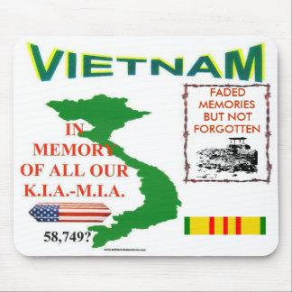 MEMORIAS de zazv-VIETNAM Alfombrillas De Ratón