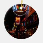Memphis en el árbol adorno redondo de cerámica