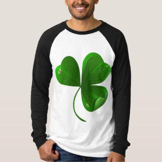 Men's raglan shirt with shamrock