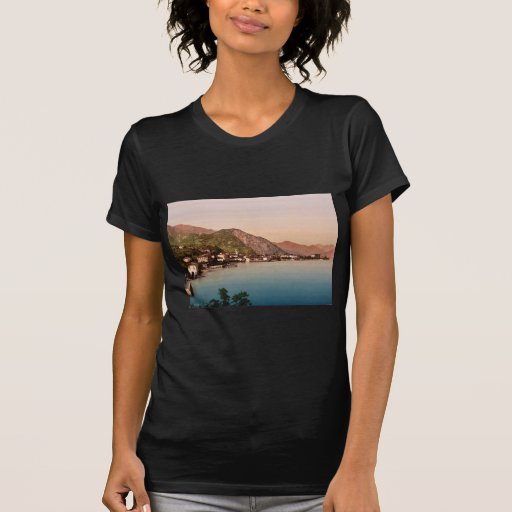 Menaggio, general view, Como, Lake of, Italy vinta T Shirt